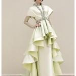 Eteği dalgalı elbise