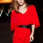 uzun kollu kısa kırmızı elbise