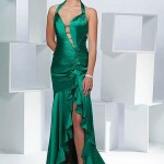 yeşil saten derin yırtmaçlı uzun elbise