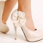 beyaz çiçekli abiye ayakkabı modeli