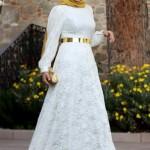 beyaz altın sarısı kemerli tesettür abiye modelleri