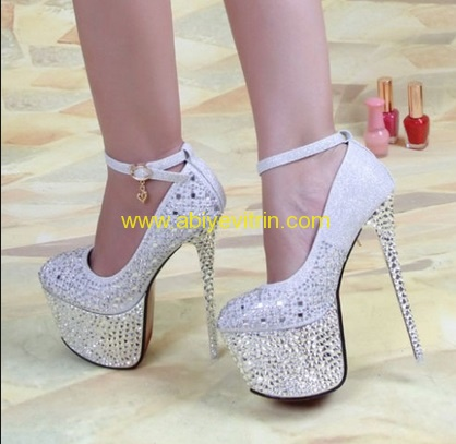 taş işlemeli gelin ayakkabısı modeli