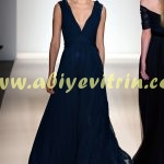 Derin V Yaka Elbise