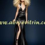 Siyah yırtmaçlı genç kız abiye modelleri