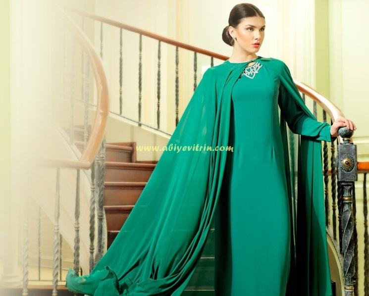 Yeşil Pelerinli Abiye Modeli