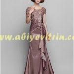 Yeni trend sünnet annesi elbise modeli